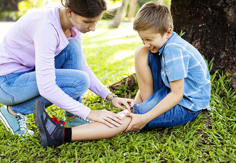 The Parent's Guide To Bruises & Cuts